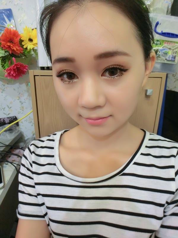 简单教你化清新妆(^3^)我是大众脸,但是我可以变得不平凡.