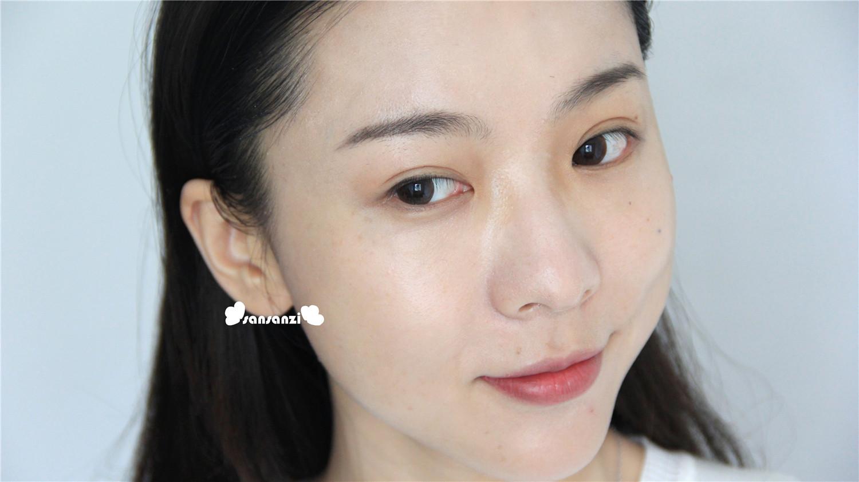 韩国妹子的亮润肌肤