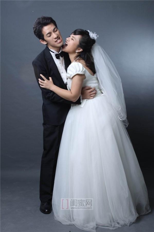 微胖美女婚纱照